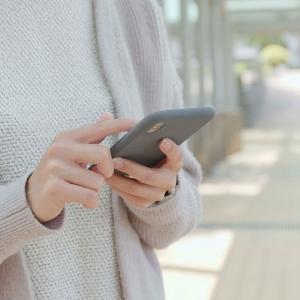 「インターネットはスマホのみ」が増加 ー 総務省調査でネット利用スマホが初めてトップに